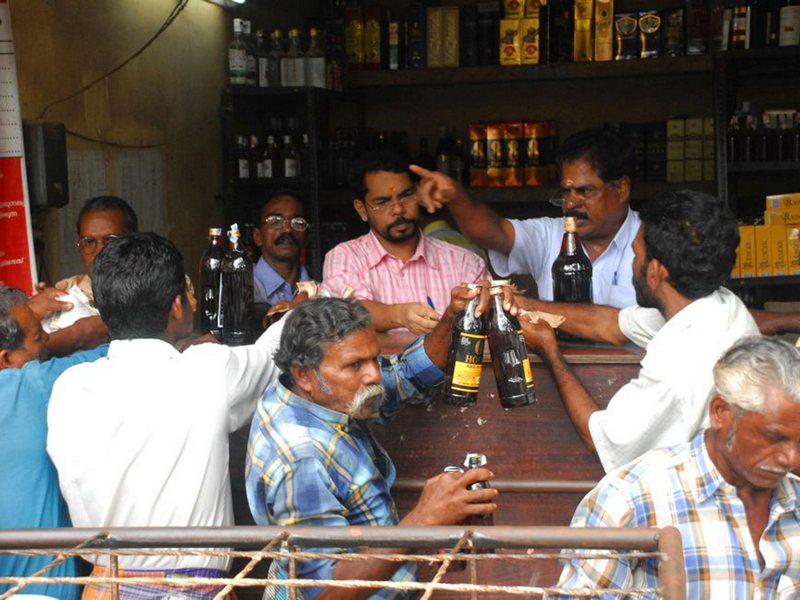 Alcohol In India 02