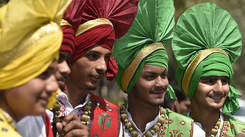 essay on religious diversity in india India is notable for its religious diversity, with hinduism, buddhism, sikhism, islam, christianity, and jainism among the nation's major religions.